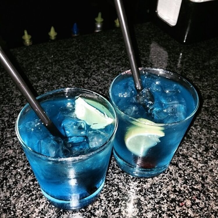 Colorful alcoholic drinks (32 Photos) 18