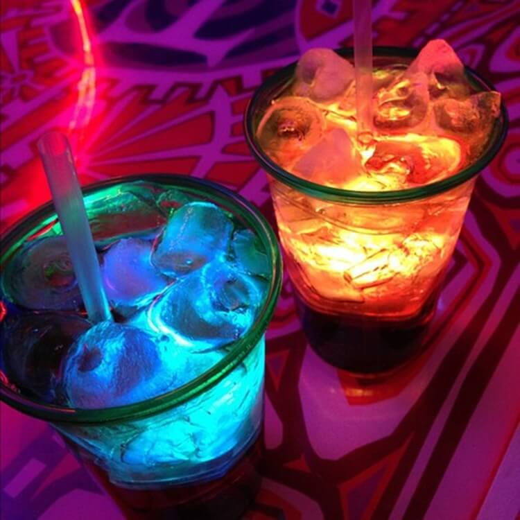 Colorful alcoholic drinks (32 Photos) 26