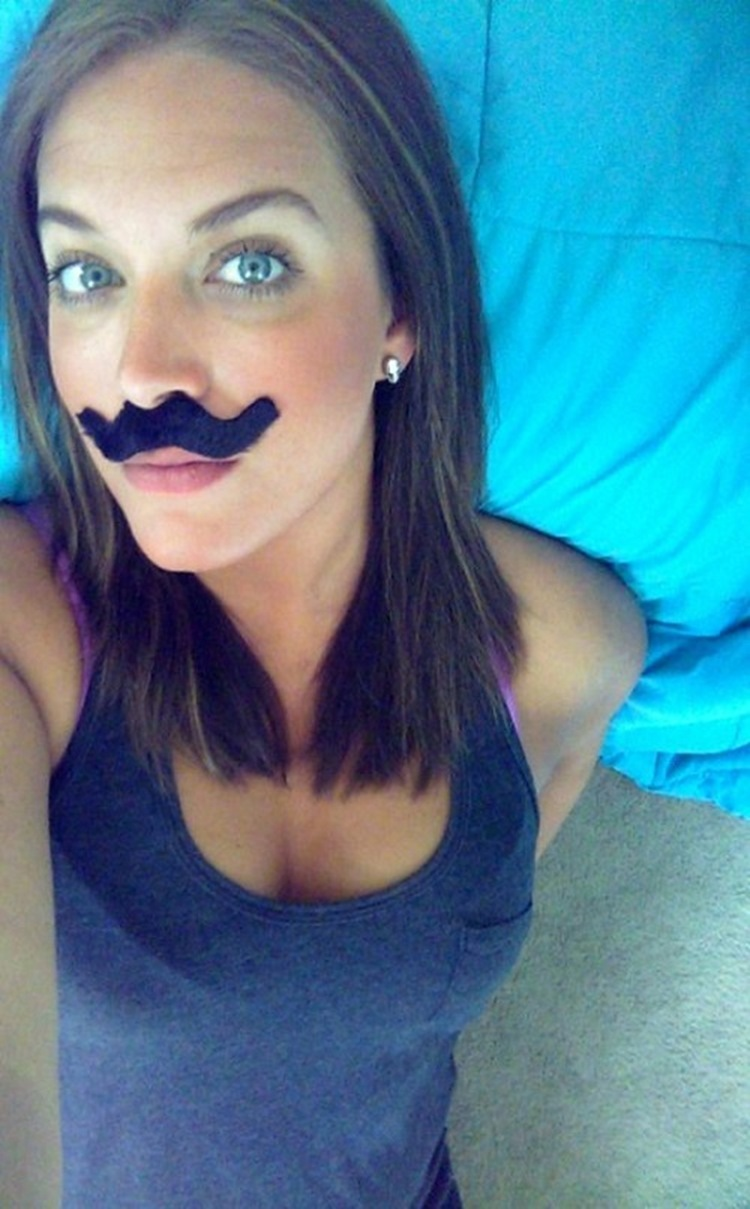 Goofy Girls are Cool in our Book (34 Photos) 11