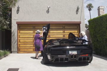 Two Grannies who love driving a Lamborghinii
