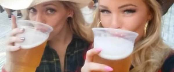 Can you say No to Beer and Girls? (39 Photos)