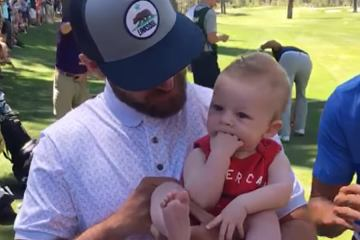 Justin Timberlake hold cute baby and sing Lion King