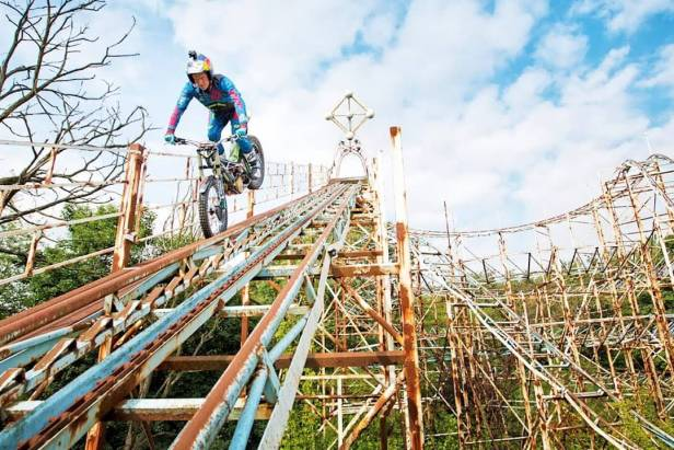Dougie Lampkin Tricks in an Abandoned Theme Park 1