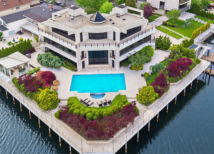 Got a Spare $18 Million for this Epic Brooklyn Mansion? 1