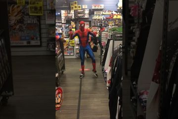 """Ghetto Spiderman Dancing on """"A-Ha's Take On Me"""" Will make You Smile 1"""