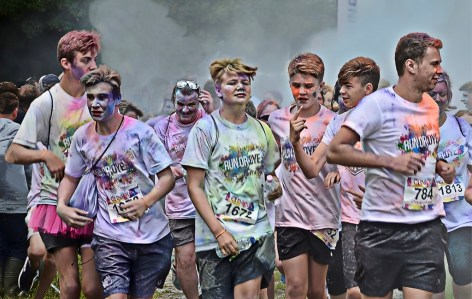 RUNNING WITH COLOUR -CHRIS WHITE