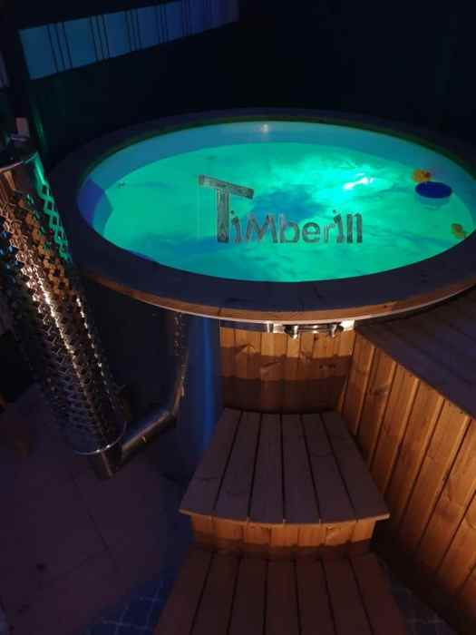 Wellness Royal Whirlpool Modell Mit Integrierter Heizung Thermoholz