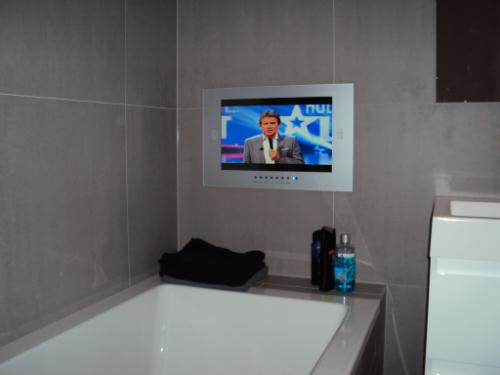 Badezimmer TV Beispiele  Service Center  BadezimmerTVde