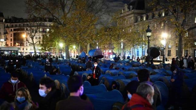 الشرطة الفرنسية تفض اعتصاما للمهاجرين بساحة الجمهورية