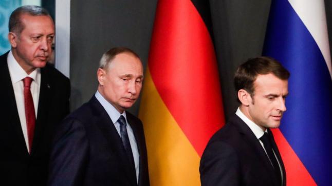 ماكرون يتهم أنقرة وموسكو
