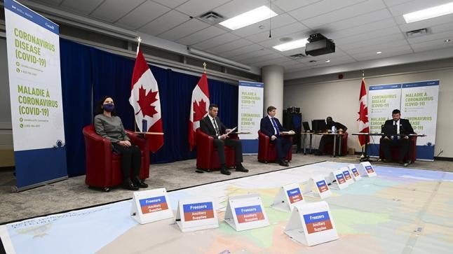 كندا تشرع في تلقيح مواطنيها ضد فيروس كورونا
