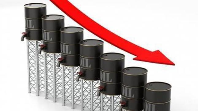 سلالة جديدة من كورونا ترخي بظلالها على أسواق النفط