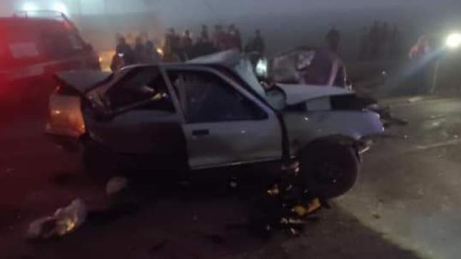 مصرع شاب وإصابة شخصين آخرين في حادثة سير