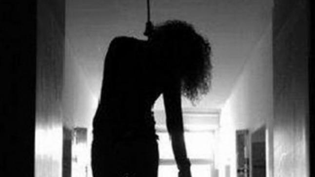 فتاة تنتحر شنقا داخل بيت خالتها