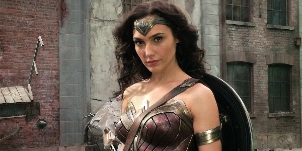 gal gadot wonder woman batman v superman