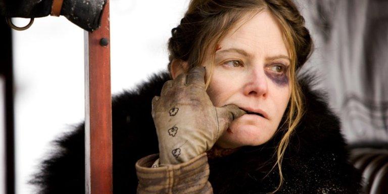 Hunters 2 Jennifer Jason Leigh nel cast della serie