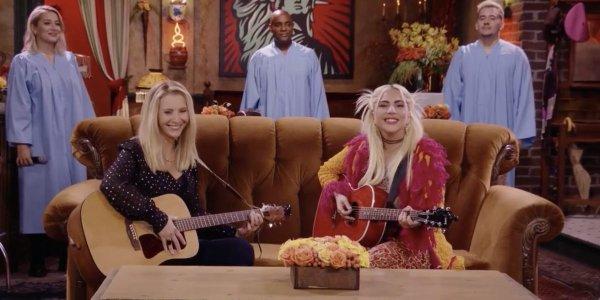 Friends - La reunion come è nato il duetto tra Lisa Kudrow e Lady Gaga