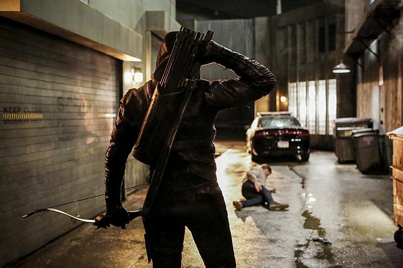 """Arrow 5x01 """"Legacy"""""""