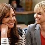 Mom: la CBS ha rinnovato la comedy per una settima e ottava stagione