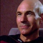 Picard: Alex Kurtzman ha quasi pianto sentendo Patrick Stewart leggere lo script del primo episodio