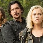 The 100: i protagonisti sono in un mondo nuovo nelle prime foto della sesta stagione