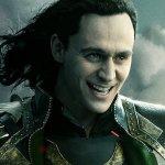 """Tom Hiddleston parla della serie su Loki: """"Più storie da raccontare, più dispetti da fare"""""""