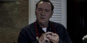"Kevin Spacey è di nuovo Frank Underwood in un video: ""Non è finita"""