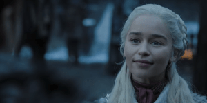 "Game of Thrones 8, Emilia Clarke anticipa: ""Il quinto episodio sarà incredibilmente spettacolare e folle"""
