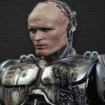 RoboCop Returns: a Neill Blomkamp piacerebbe vedere ancora Peter Weller nei panni del cyber-poliziotto