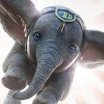 Dumbo: l'elefantino volante in un nuovo poster del film Disney