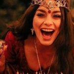 Vanessa Hudgens festeggia il suo compleanno con un party in stile Signore degli Anelli