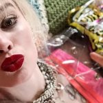 Birds of Prey: Margot Robbie è di nuovo Harley Quinn in un selfie!