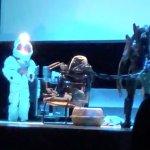Alien: Ridley Scott si complimenta con la scuola che ha messo in scena la versione teatrale del suo film