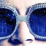 Rocketman: Taron Egerton canta in un video musicale del film, online il poster Dolby
