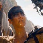 """Mad Max: Charlize Theron ribadisce: """"Spero di tornare nei panni di Furiosa, amo il personaggio"""""""