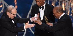 Oscar 2016: Ennio Morricone vince l'Oscar per la miglior colonna sonora, il video!