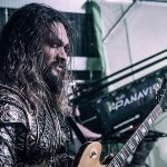Justice League: Jason Momoa è Aquaman in una nuova immagine