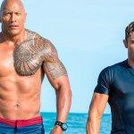 Baywatch: Dwayne Johnson e Zac Efron in una nuova immagine del film