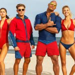 Baywatch: Dwayne Johnson, Zac Efron, Alexandra Daddario e un sacco di slow-motion nei nuovi trailer