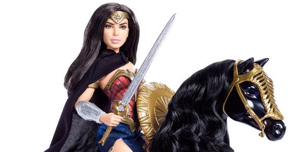 Wonder Woman: Gal Gadot in costume nella nuova foto