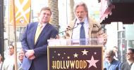 Jeff Bridges si trasforma nel Drugo per celebrare John Goodman sulla Walk of Fame!