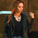 Avengers: Infinity War, Scarlet Witch in azione in nuove foto e video da Edimburgo