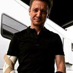Jeremy Renner infortunato alle braccia sul set di Tag, guarirà in tempo per Avengers 4