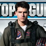 Top Gun – Maverick: Tom Cruise in moto con bomber e i Ray-Ban da aviatore nelle nuove foto dal set!