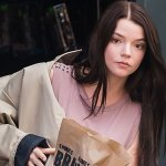 Glass: ecco Anya Taylor-Joy a Philadelphia sul set del sequel di Split e Unbreakable