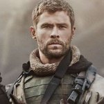 12 Strong: il nuovo trailer del film con Chris Hemsworth, Michael Shannon e Michael Peña