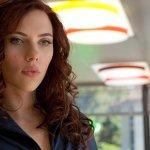 """Rub & Tug: Scarlett Johansson risponde alle critiche per aver accettato la parte del transgender Dante """"Tex"""" Gill"""