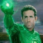 Ryan Reynolds: gli auguri in stile Lanterna Verde della Warner e la risposta al tweet di Hugh Jackman