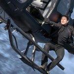 Mission: Impossible – Fallout, Tom Cruise appeso ad un elicottero in una nuova immagine