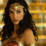 Wonder Woman 1984: Gal Gadot in costume nella nuova foto ufficiale
